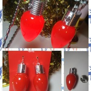 Large Red Lightbulb Christmas Earrings(NWT)